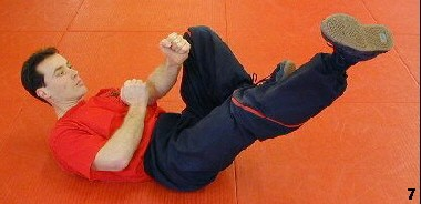 Wing Tsun Exercise 79 - Chain Kicks, Fig. 7